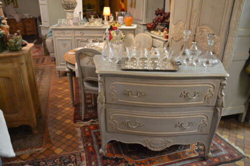 COMMODE LOUIS XV PATINEE A L'ANCIENNE CHENE MASSIF