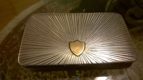 An Antique German 800-silver snuff box with engraved sunburst decoration