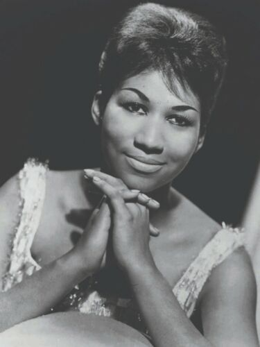 Aretha Franklin  B/W with white shirt 18 x 24 Poster FREE SHIPPING
