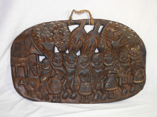 Vintage PNG Hand Carved WOODEN STORYBOARD Papua New Guinea Village TRIBAL ART GC