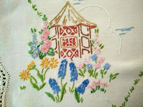 Sweet Summer Thatch Hut & Cottage Flowers  Vintage Hand Embroidered Centrepiece