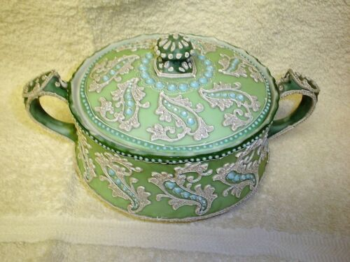 Beautiful Antique Japanese Covered Bowl Decorated In Green With White Moriage