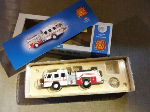 Voiture de pompiers CORGI 54706 EI Side-Mount Washington D.C.