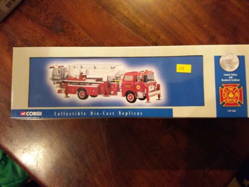 Voiture de pompiers CORGI US53803 Mack CF Tower Philadelphia P.A.