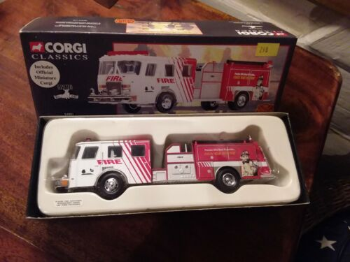 Voiture de pompiers Corgi 54801 Town of Fishers E-One Top Mount Pumper 1:50