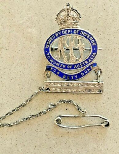 Sterling Sterling Badge WOMEN OF AUSTRALIA DUTY DONE, Original Chain, Pin & Bar1914 - 1918 (WWI) - 13962