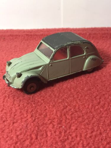 Petite Voiture 1/43  2 Chevaux DINKY TOYS