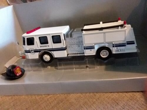 Voiture de pompiers Corgi 54703  E-One Side Mount Newark Fire Dept