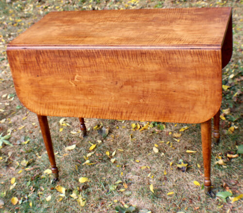 Antique Country Sheraton Drop Leaf Table Tiger Striped Maple Massachusetts c1810