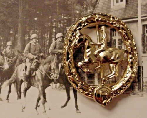 GERMAN WWII WEHRMACHT CAVALRY - EQUESTRIAN / HORSEMANSHIP BADGE IN GOLD - REPROReproductions - 156372