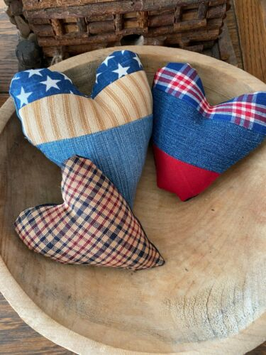 Primitive Stitchery Red White and Blue   Patriotic Hearts Bowl Filler Ornie
