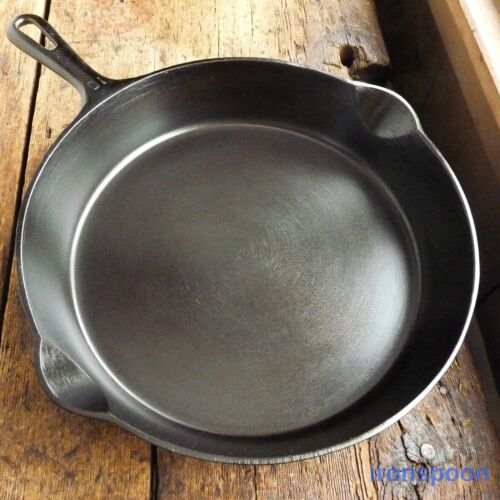Vintage GRISWOLD Cast Iron SKILLET Frying Pan # 10 SMALL BLOCK LOGO - Ironspoon