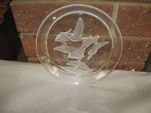 Sasaski Lead Crystal Frosted Intaglio 5 Swallows in Flight Plate