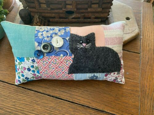 Primitive Stitchery Hand Stitched Cat Vintage Quilt  and Old Buttons  Ornie