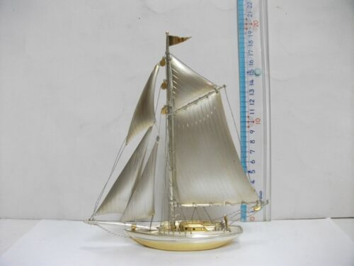 The sailboat of 970Sterling Silver of Japan. #95g/ 3.35oz. Japanese Antique