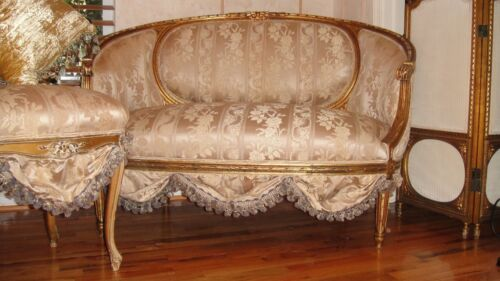 FRENCH ANTIQUE SETTEE SOFA LOVESEAT CIRCA 1800's  SCALLOPS FRENCH FABRIC MUST SE