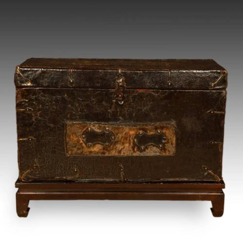 RARE ANTIQUE TRUNK LEATHER WOOD BRASS TIBET CHINESE FURNITURE LATE 18TH C.