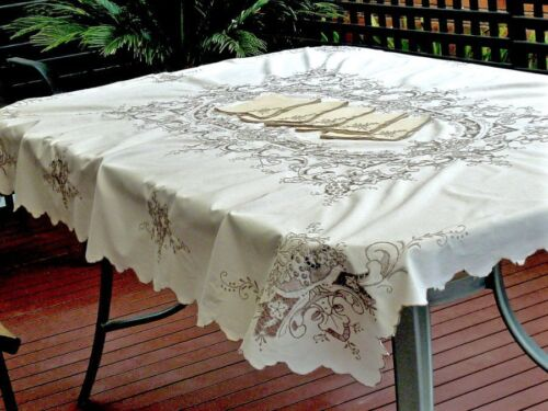 OUTSTANDING ANTIQUE WHITE  LINEN HAND CRAFTED  MADEIRA TABLECLOTH 172 X 130 CM.