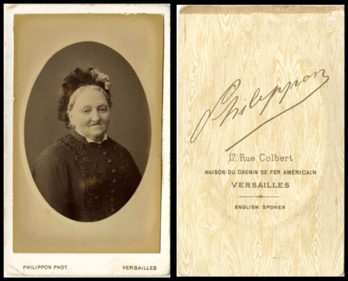 ANTIQUE CDV PHOTO OF A WOMAN IN MOURNING DRESS PHILIPPON, VERSAILLES STUDIO