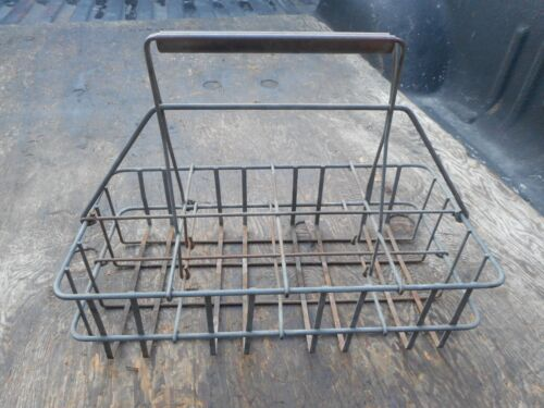 OIL OR MILK BOTTLE WIRE CARRIER HOLDER RACK NICE SHAPE HOLDS 8 BOTTLES