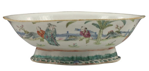 19thC / Guangxu Period Chinese Porcelain Footed Bowl / Dish w/ Character Scene