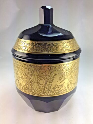 Very Rare c1910 Moser Karlsbad Amethyst Glass Covered Urn/Vase Amazonian Frieze