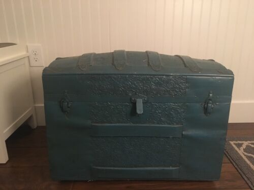Vintage CAMELBACK TRUNK In BLUE With Tray Storage Chest Steamer Humpback Antique