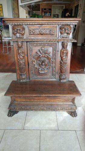 ANTIQUE 17-18TH CENTURY PRAYER BENCH WOOD CARVED MYTHICAL POSSIBLY GOTHIC