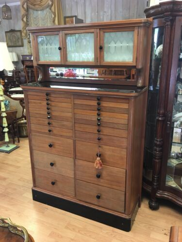 ANTIQUE DENTAL CABINET MEDICAL STORAGE APOTHECARY 22 DRAWERS ETCHED GLASS DOORS