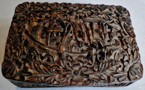 ANTIQUE FINELY CARVED CHINESE FAUX TORTOISE SHELL SNUFF BOX FIGURAL CANTON 1850