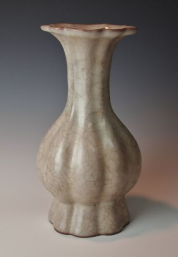 ANTIQUE CHINESE CRACKLE GLAZE VASE Melon Form Ge Guan Ware Song Dynasty Style