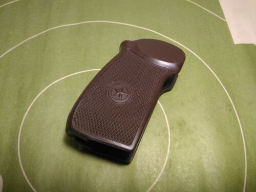 Grip PM Makarov plastic brown Other Militaria - 135