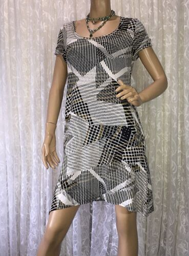 F LINE BY FEATHERS SIZE M SHIFT DRESS