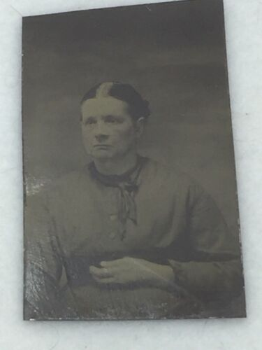 Antique Tintype Photo Middle Age Aged Woman 24993