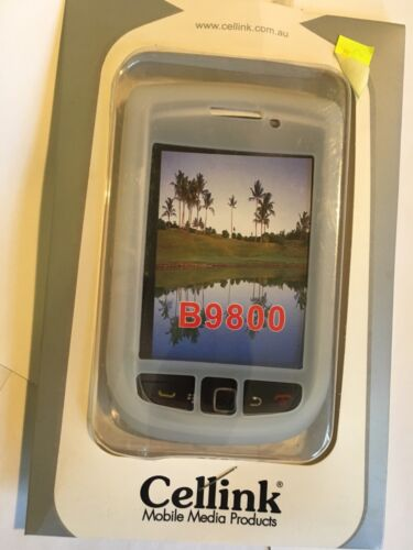 BlackBerry 9800 Torch Silicon Case in White SCC5840WH Brand New in Original pack