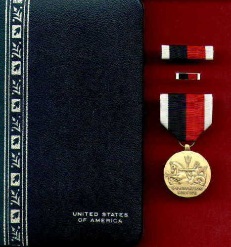 US Marine Corps Occupation Service medal cased set with ribbon bar and lapel pinMarine Corps - 66531