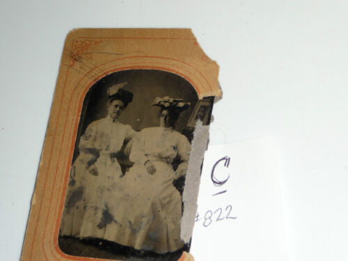 #822C antique vtg TINTYPE photo 2 WELL DRESSED WOMEN FANCY HATS & CLOTHES