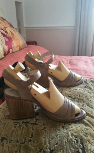 Robert Clergerie Shoes Wedge heeled Summer Sandals US size 7.5 Uk 5.5/ 6