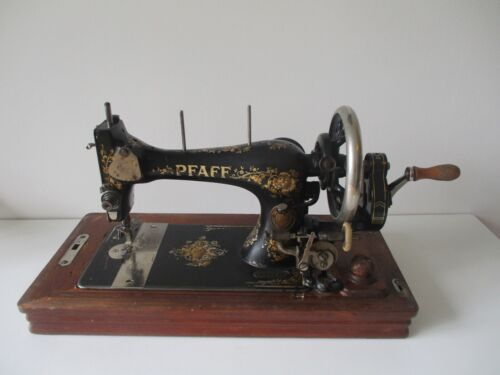 Original  1910  Pfaff K  Sewing Machine with wooden case