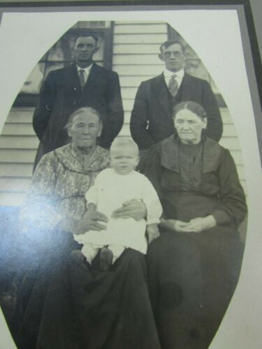 Antique Cabinet Photo Family Grandmothers Fathers Baby 30557 Vintage Photograph