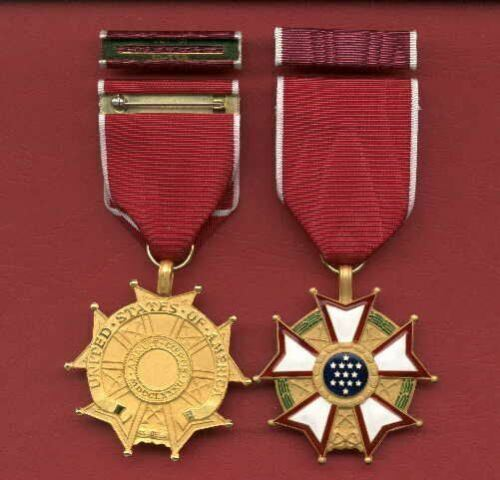 Legion of Merit Award medal with ribbon bar Legionnaire LOMOther Militaria - 135