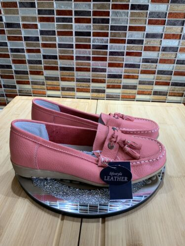 GORGEOUS CORAL LEATHER COMFORT TASSEL FRONT LOAFERS BNWT SIZE 7