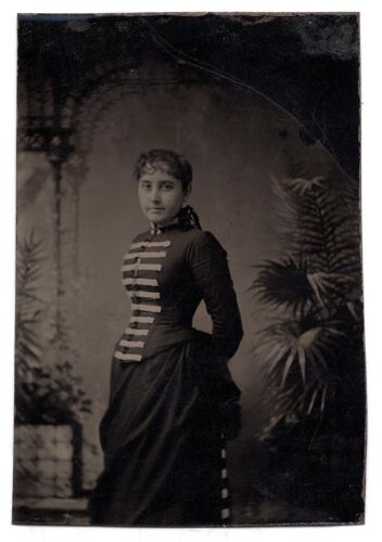 Superb Tintype of Young Woman