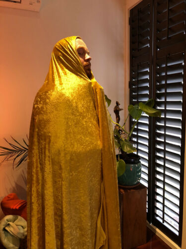 """Actual Authentic Shawl of 100% Genuine Cult Luminary """"The Golden Slug"""" (Real)"""