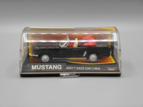 Voiture Mustang Indy Pace Car 1964 - New-ray