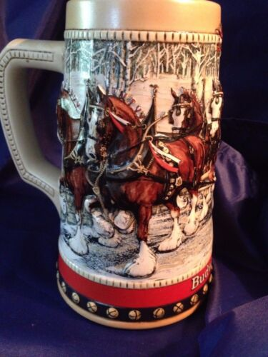 1988 BUDWEISER ANHEUSER BUSCH CLYDESDALES HOLIDAY STEIN 'HOLIDAY HARNESS'