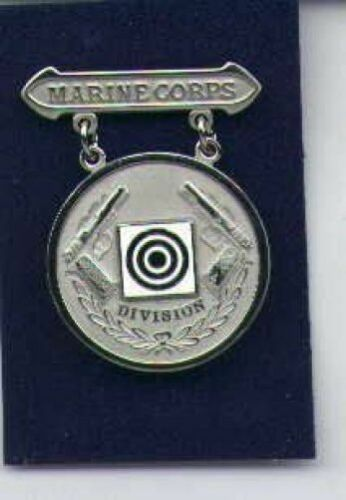 US Marine Division Pistol Shooting badge in silver USMC USA MadeMarine Corps - 66531