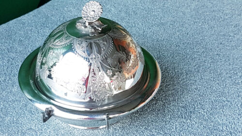 ANTIQUE SILVER PLATED BUTTER DISH BY ROGER SMITH, FLORAL FINIAL & GLASS INSERT.
