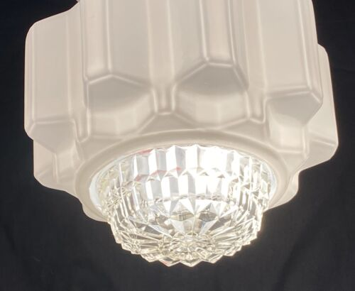 ART DECO WHITE MILK GLASS SKYSCRAPER EMPIRE LIGHT SHADE & DIAMOND CUT DIFFUSER