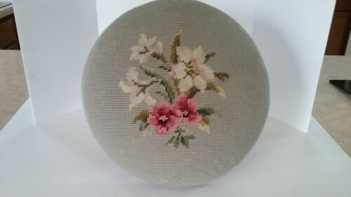 VINTAGE NEEDLEPOINT FLORAL FOOTSTOOL WITH UNIQUE LEGS